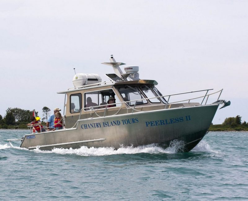27' Passenger tour-boat, built with All welded Aluminum and deep V hull design for safety and performance.