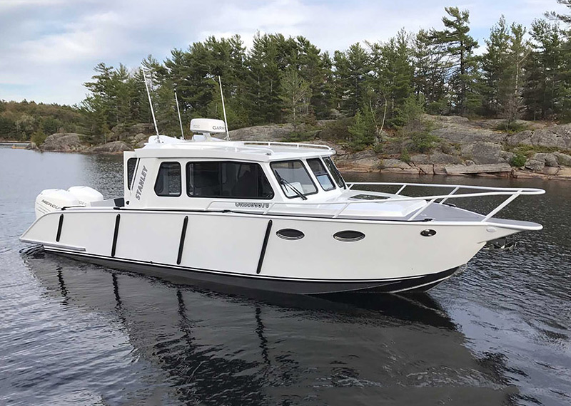 31' Patrol Cruiser Welded Heavy-Gauge Aluminum Patrol Boat for Lakes, Offshore and Coastal Waters.